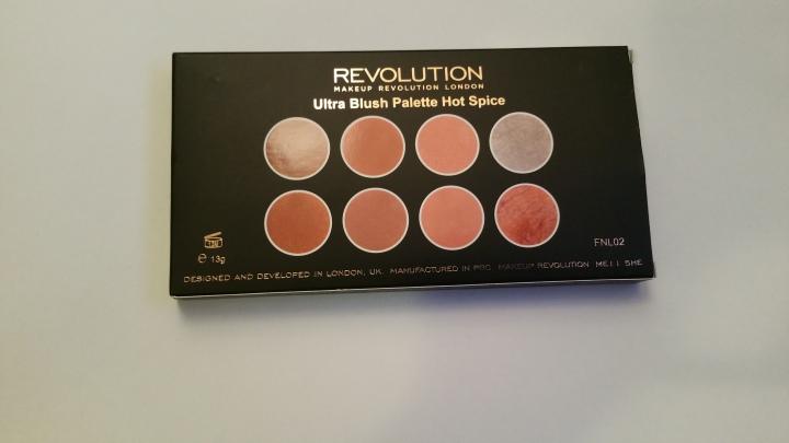 Makeup Revolution Hot Spice (FirstImpression)