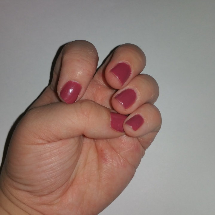Thumbs nails of the week Miss Sporty in 550