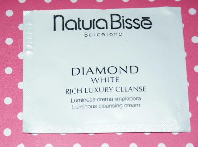 Thumbs Sample testing: Diamond White Rich LuxuryCleanse