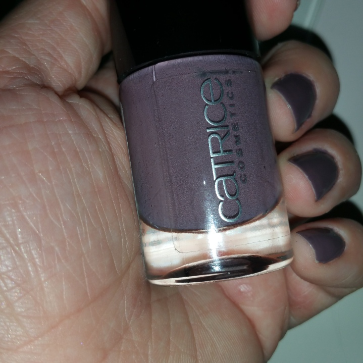 Thumbs nails of the month: Catrice Ultimate Nail Lacquer  nr 117 Mauve To the Best