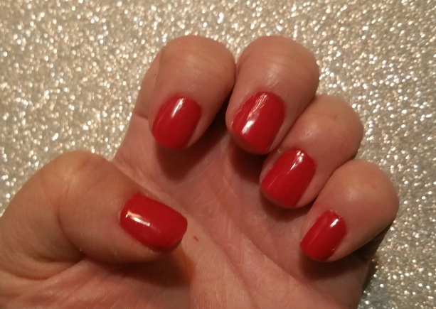 Thumb's Christmas Nails ( Essie's Really Red)